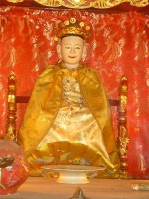 Tượng thờ Lý Chiêu Hoàng ở đền Rồng, Bắc Ninh
