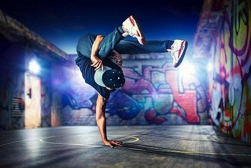 bboy la gi 1 - Top 3 các nền văn hóa thú vị trong hip hop có thể bạn chưa biết